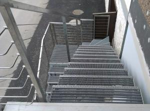 stopnice-in-ograja